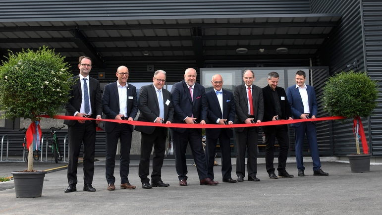 Cérémonie d'inauguration chez Innovative Sensor Technology IST AG en mai 2019.